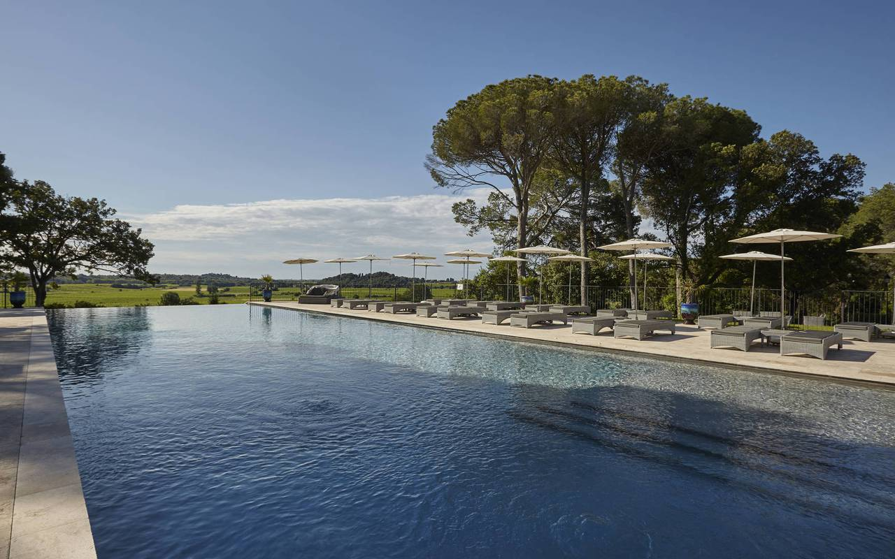 Large pool of the Château St Pierre de Serjac, Languedoc holiday homes.