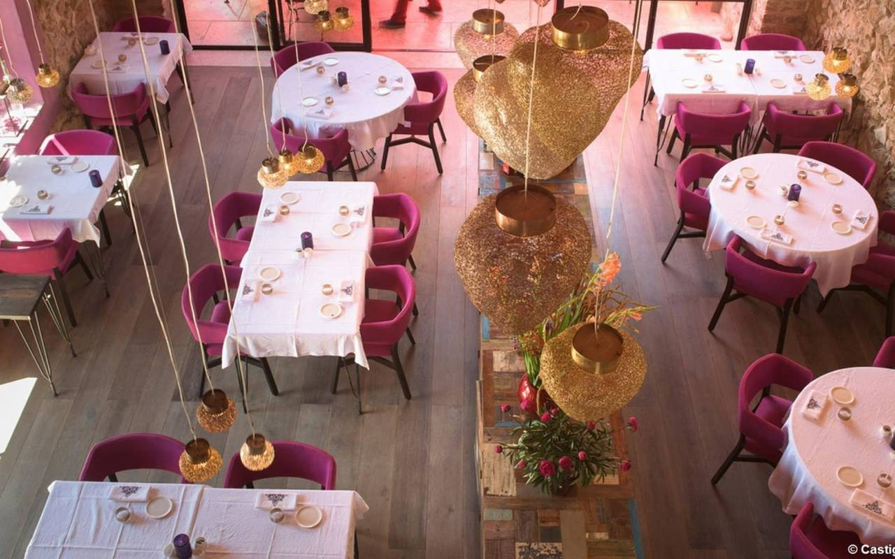Restaurant La Table de Castigno, close to the Château de Serjac, weekend in the south of France.