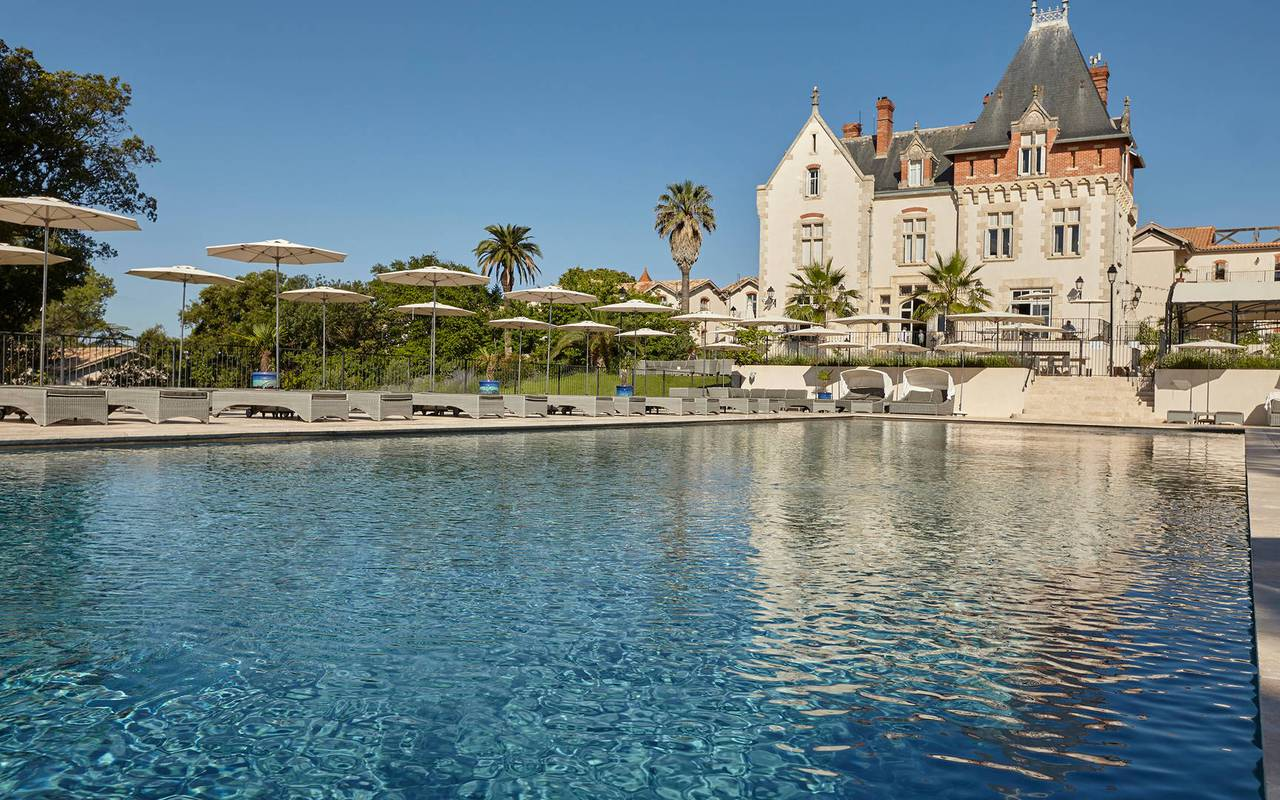 Giant pool behind the Château de Serjac, in one of the best place to stay in Languedoc Roussillon.