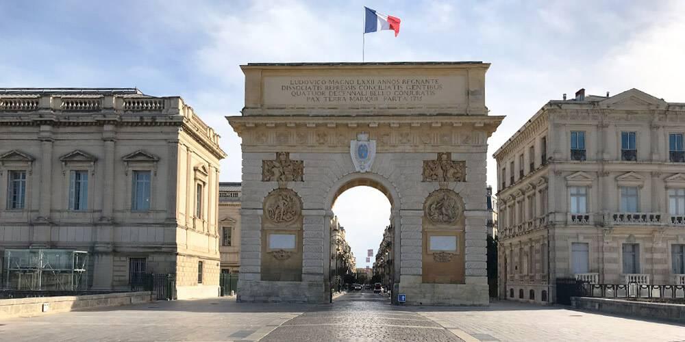 Arc de triomphe à Montpellier, près de notre b&b près de Pézenas, Chateau St pierre de Serjac.