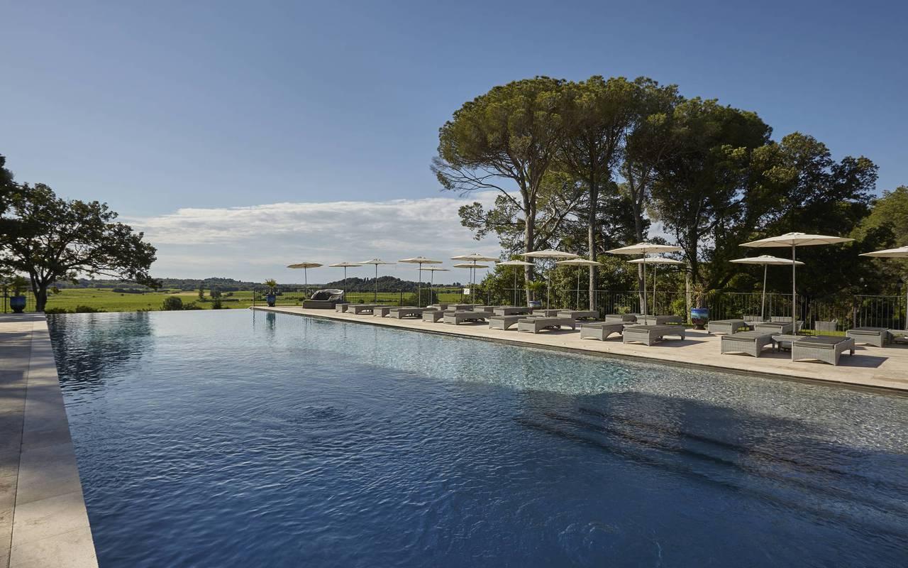 Grande piscine de Château St Pierre de Serjac, location de maison dans l'Hérault