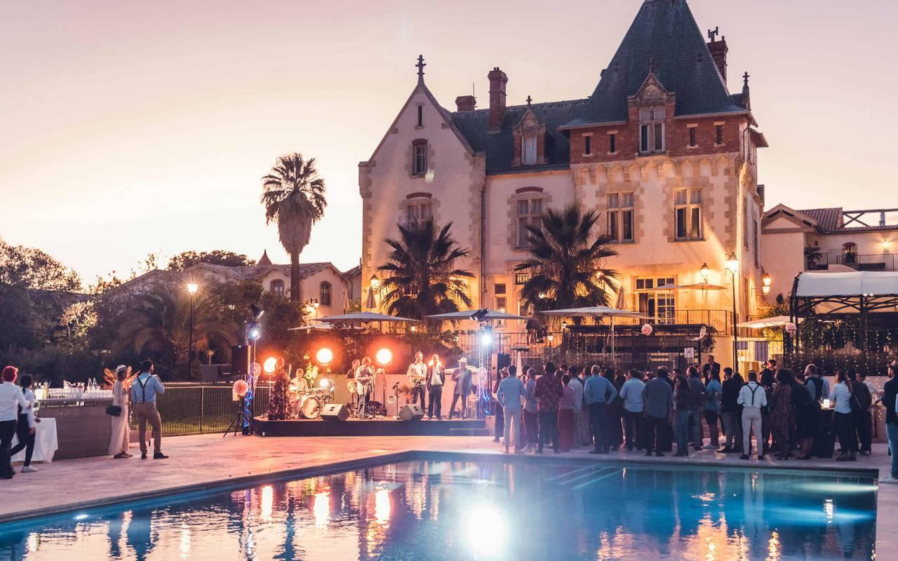 Réception d'un mariage dans un domaine près de Béziers, le Château de Serjac.