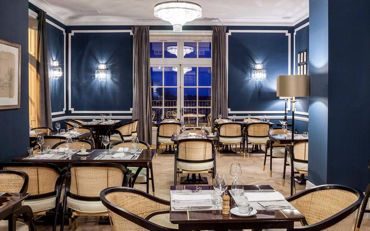 Grande salle de restaurant de notre hôtel spa près de Béziers, Château de Serjac.